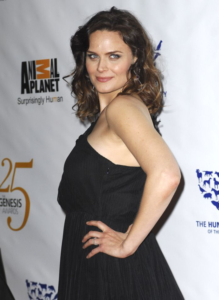 emily deschanel interview about how pregnancy might
