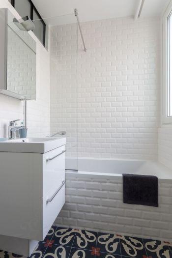 Salle de bain aménagé et décoré par la décoratrice d\u0027intérieur
