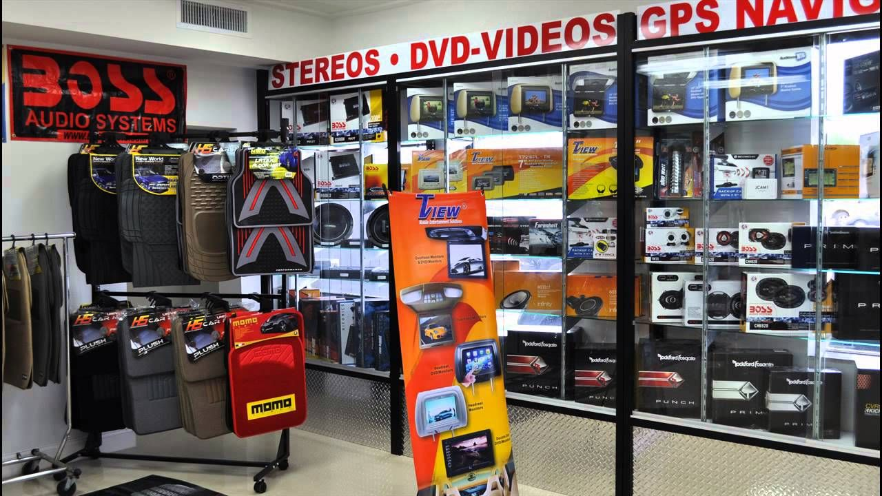 Car accessories showroom google search car decor interiors pinterest showroom and interiors