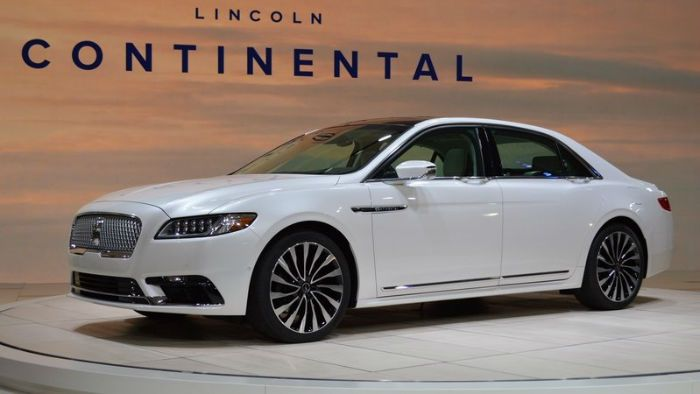 2017 Lincoln Town Car Redesign