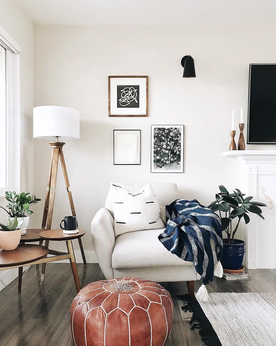 I Kinda Don T Want To Make Plans For The Rest Of The Year Friday Mood Instagram Jensane Home Living Room Minimalist Home Home Decor