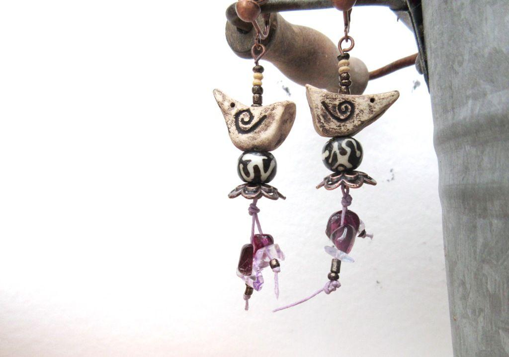 Céramiques oiseaux, perles corne Tibet, grenat .... pour ces BO ...