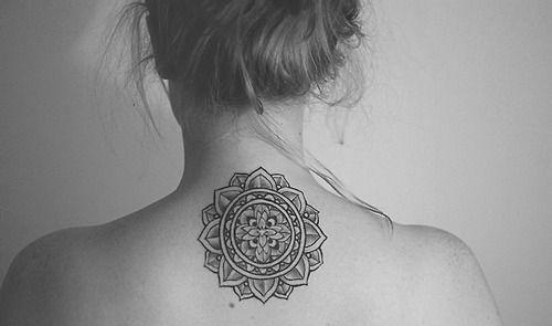 mandala nape of the neck ink mandala tattoo tattoos et mandala. Black Bedroom Furniture Sets. Home Design Ideas