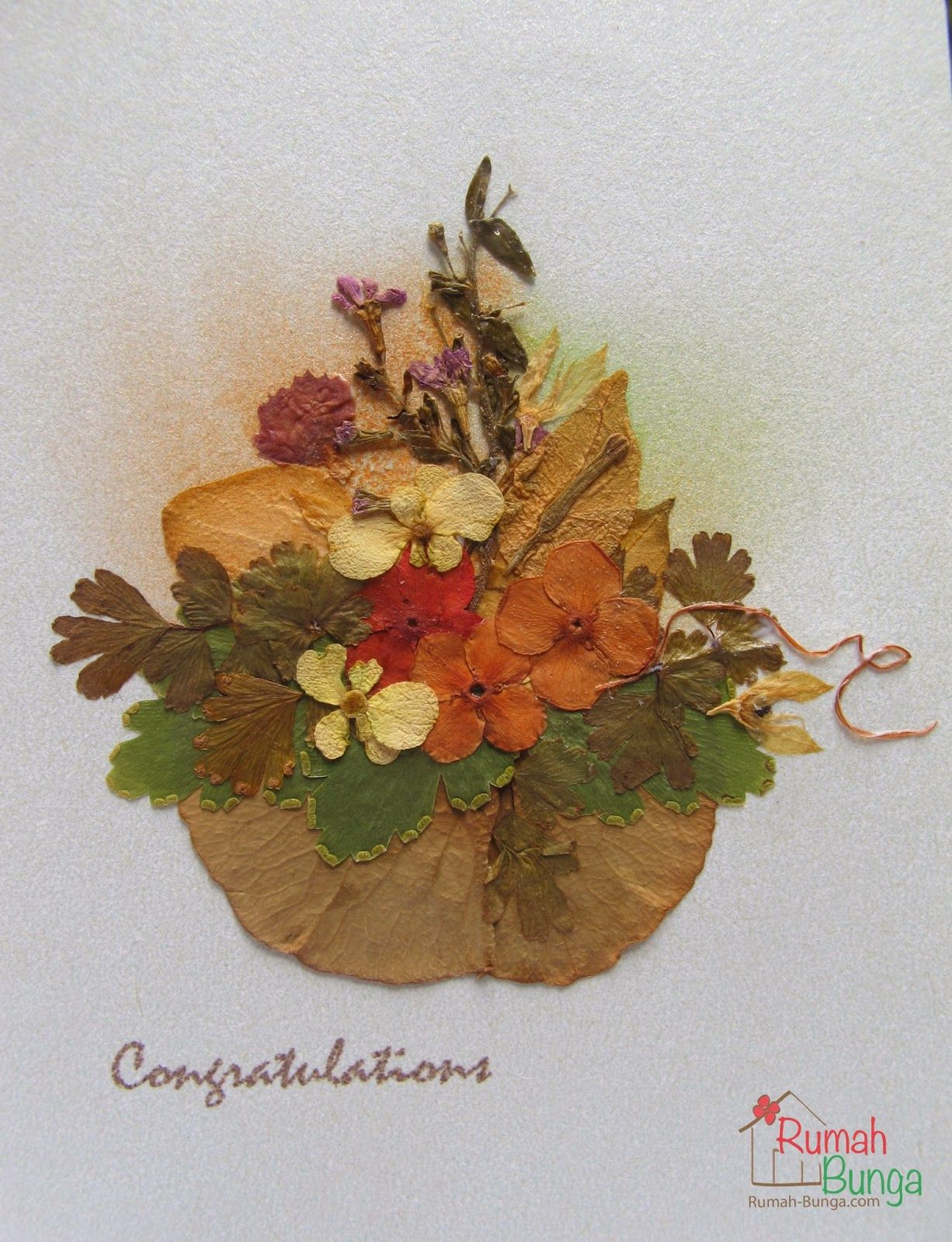 Kartu Ucapan Selamat Berhiaskan Bunga Kering Yang Dipres Flower