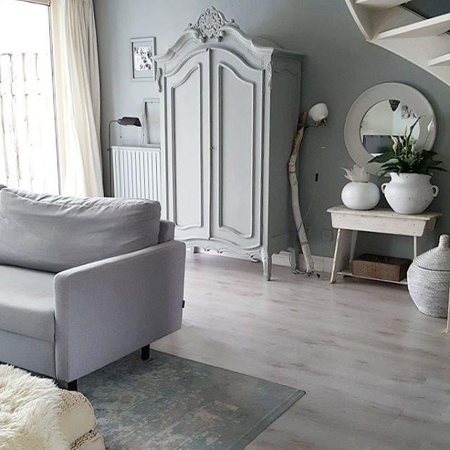 - HOME -  Fijne avond alvast! ◾️Dit hele weekend 15% korting id webshop met de code: 15PR➡️ link in bio. #inredning#interior#interiorandhome#scandinavian#homedesign#interior4all#interiorwarrior#myhome#homes#interiorstyling#nordic#nordiskehjem#inspo#inspiration#skandinaviskehjem#vardagsrum#livingroom#eclectic#vintage#kuifkast#cupboard#armoire#brocante#bohochic#bohemian