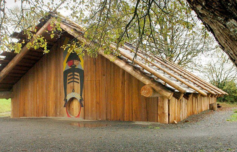 37bb91f3f7c797898386bc450ffda68d Tillamook Indians Tribes Plank House on make a chinook indian house, makah indian wooden house, pacific northwest tribes house, tillamook native american housing,