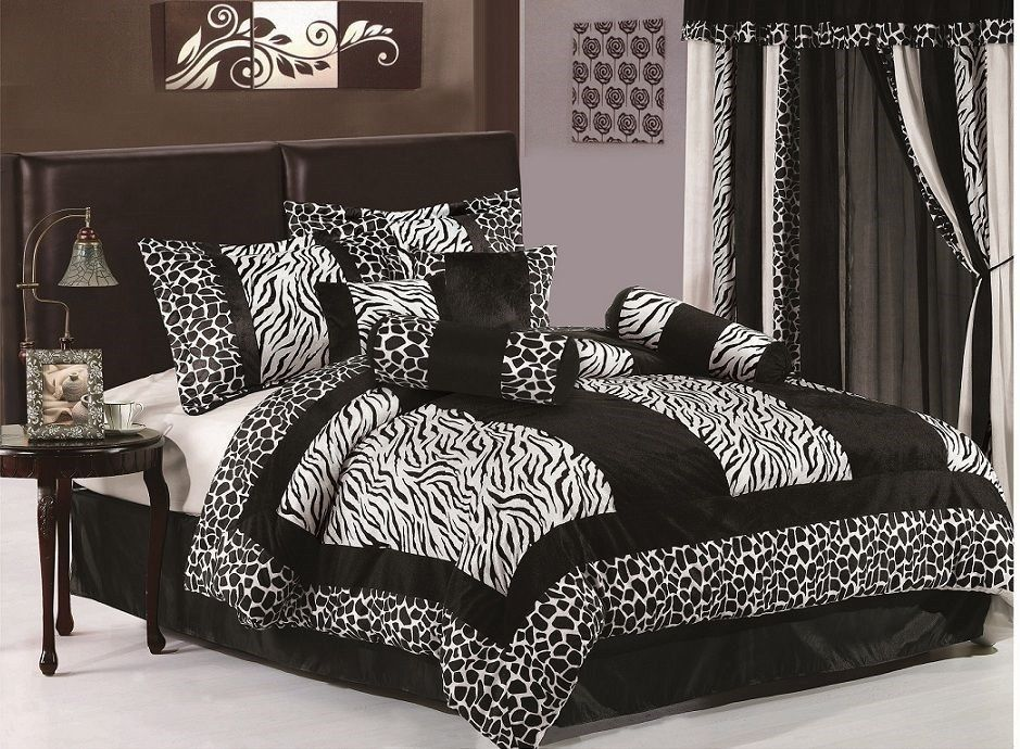 8pcs Black Zebra Giraffe Micro Fur Comforter Bed-in-a-Bag Set queen