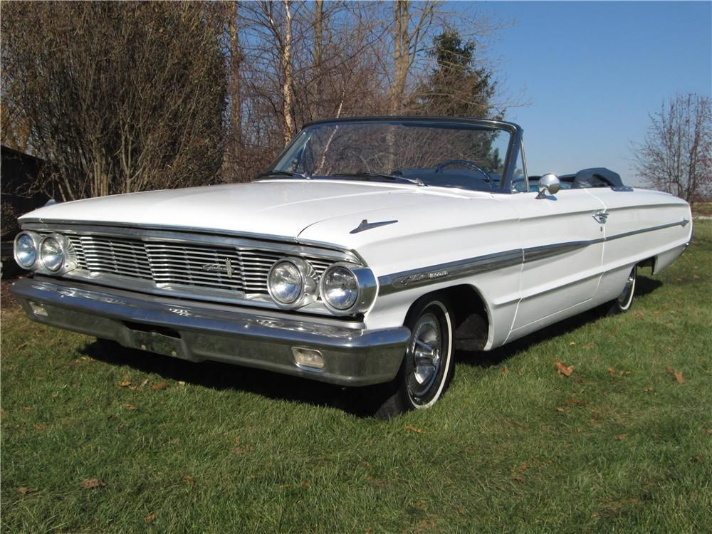 1964 Ford Galaxie 500 Xl Convertible My Mom And Dad Had One Like This With A Turquoise Interior Ford Galaxie Ford Galaxie 500 American Classic Cars
