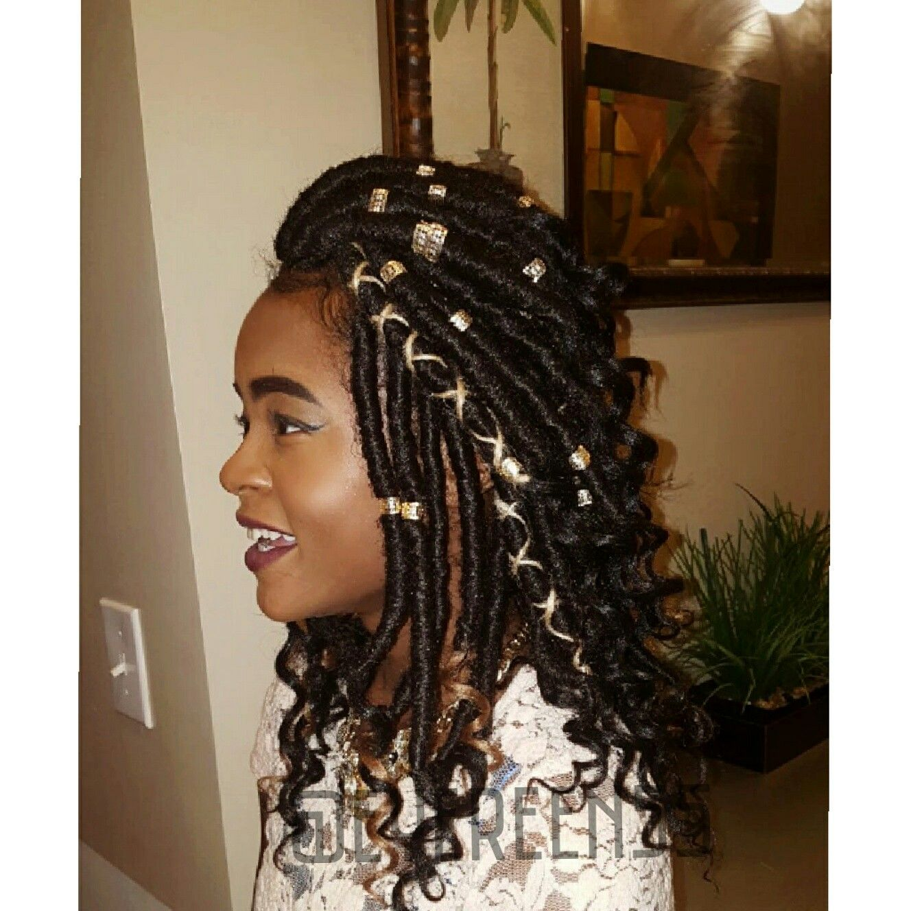 If You Are Looking To Add A Personal Touch Your Box Braids Try Adding Accessories Such As Rings Beads Or Even Colorful Yarn Keep Reading Lean How