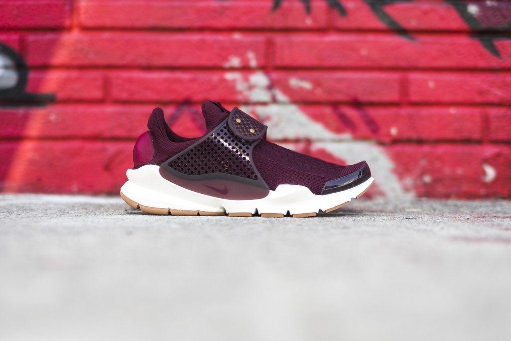 Rentrée 2016 : sélection de sneakers bordeaux   NIKE WMNS