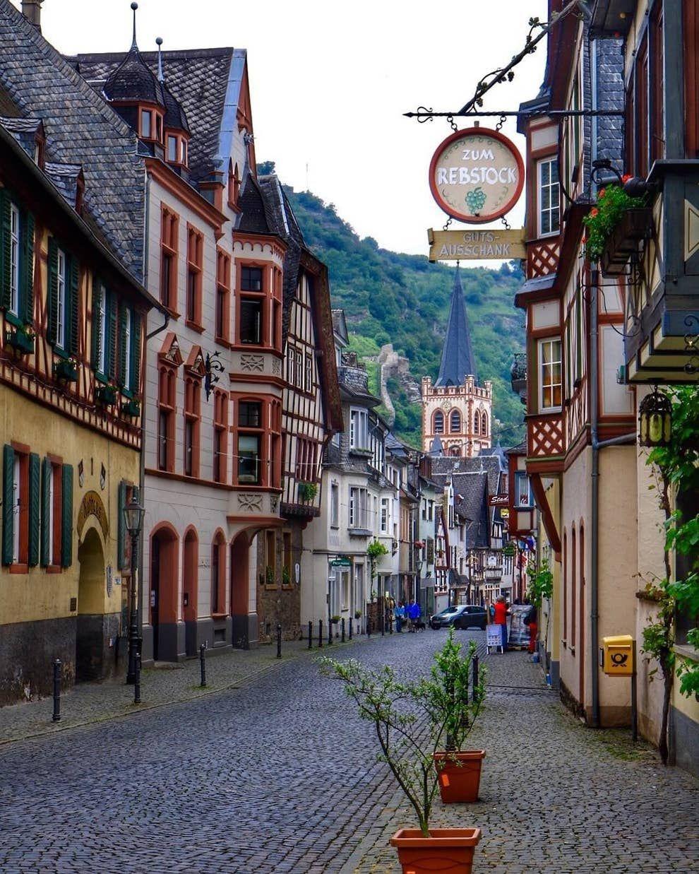 34 Beweise Dass Deutschland Das Land Der Marchen Ist In 2020 Urlaub In Deutschland Deutschland Schloss Lichtenstein