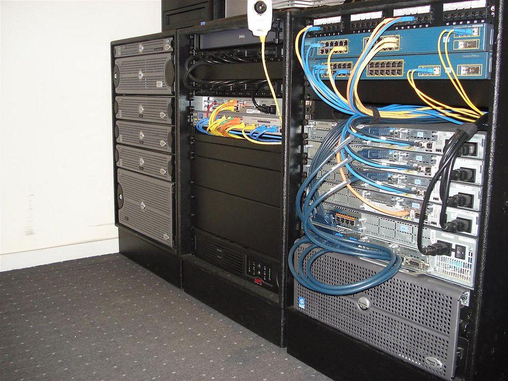 diy server rack - Sök på Google | Rack IT | Pinterest