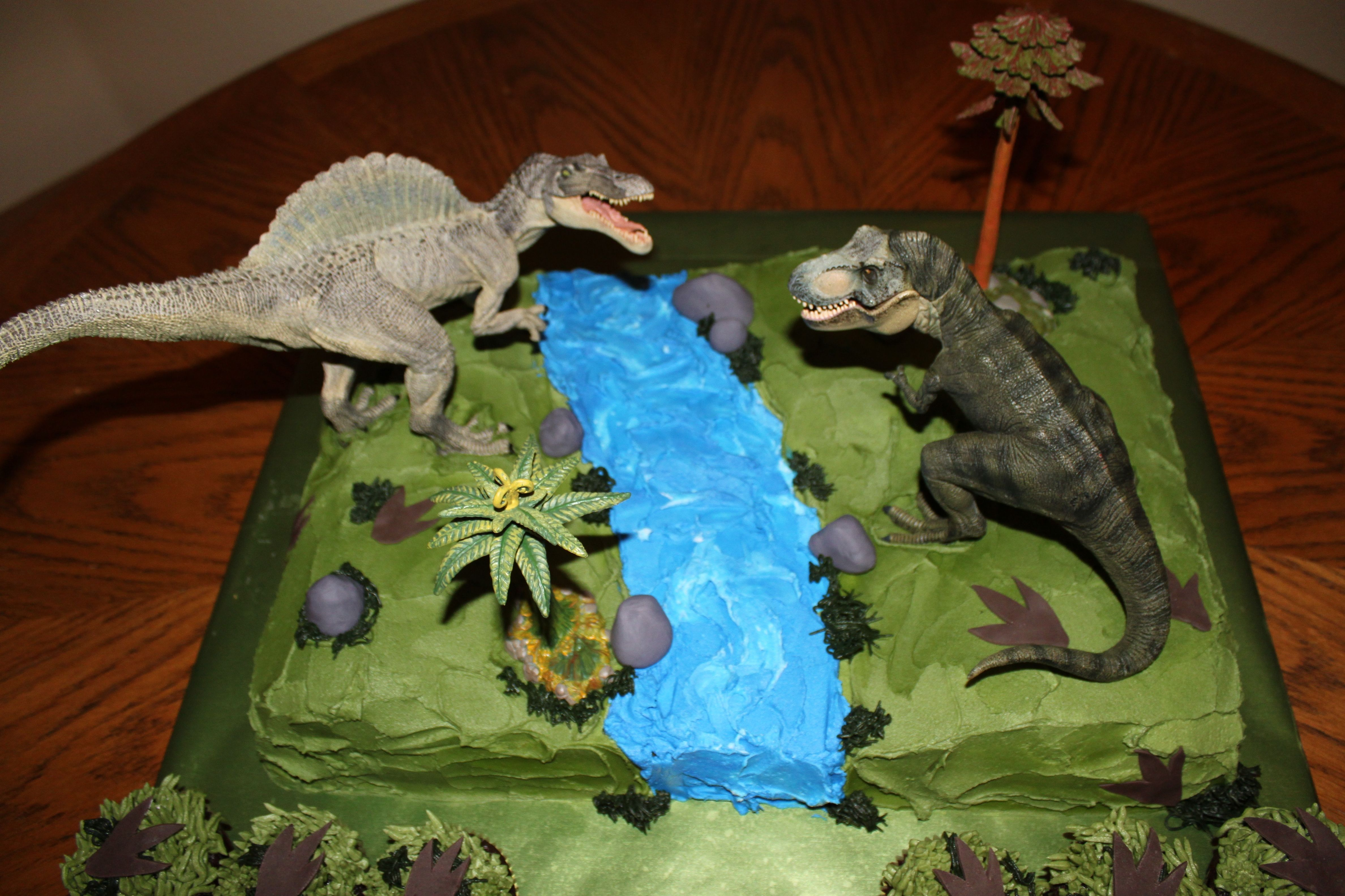 Jurassic park cake original embed cakes cupcakes pinterest park jurassic park party - Jurassic park builder decorations ...