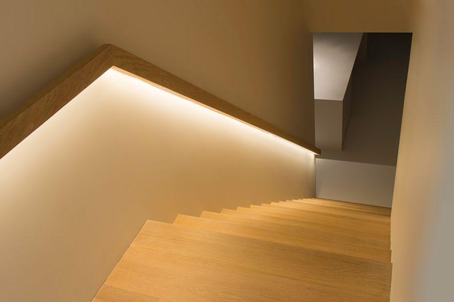 Escaleras iluminadas con led buscar con google for Apliques de led para escaleras