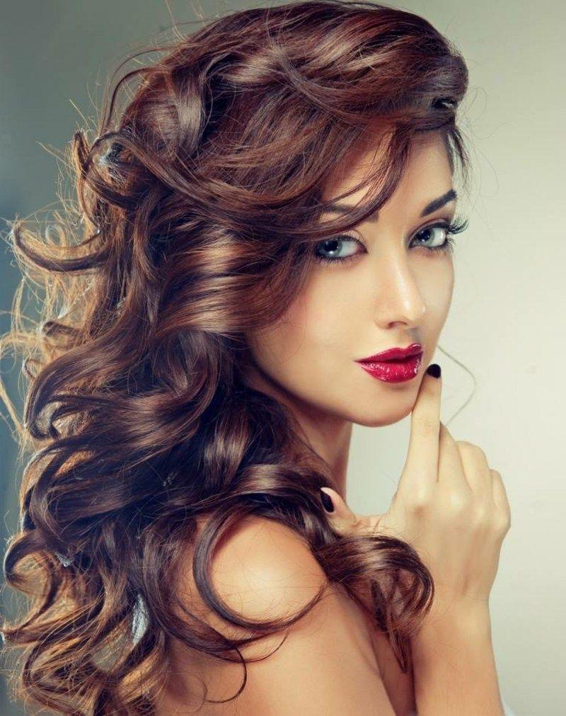 Haare Färben Nach Dem Mond Herrliche Lockenfrisur Lange Haare