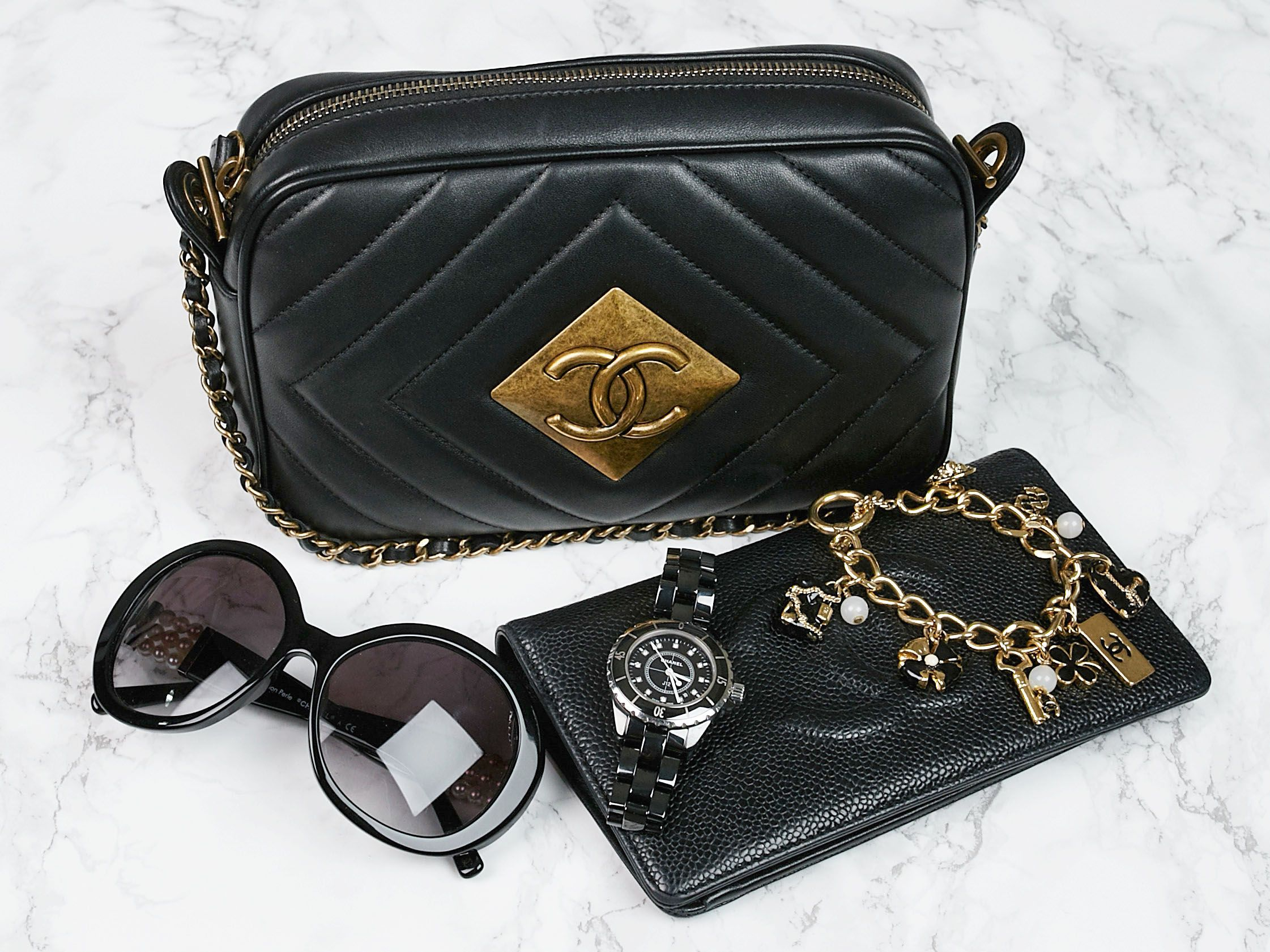 b249990d243611 Staring the week off right with all black Chanel essentials! - Yoogi's  Closet | #Chanel