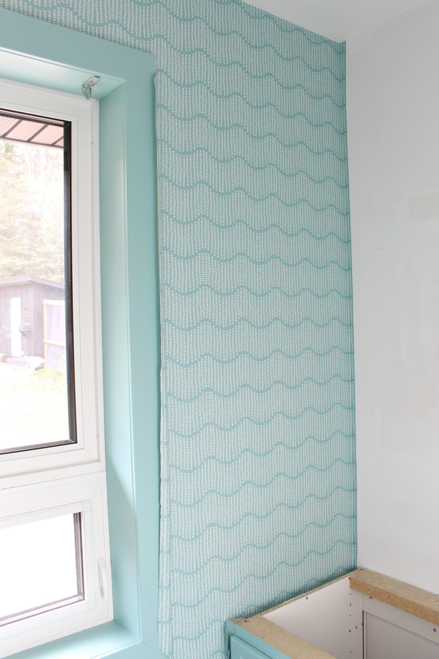 Diy Wallpapering For The First Time Spoonflower Prepasted Removable Wallpaper Review Dans Le Lakehouse In 2020 Removable Wallpaper Powder Room Small T Wallpaper