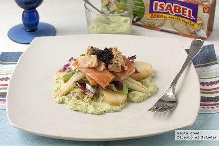 Ensalada de salmón marinado, caviar y atún Isabel en aceite vegetal con puré de aguacate