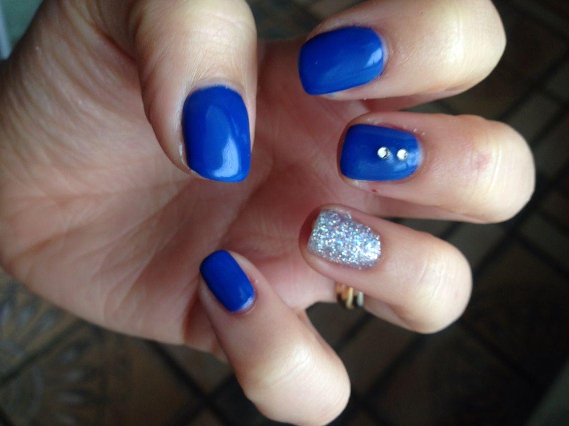 Bleu électrique strass et paillette !! Vernis Bleu, Strass Et Paillettes,  Ongles En