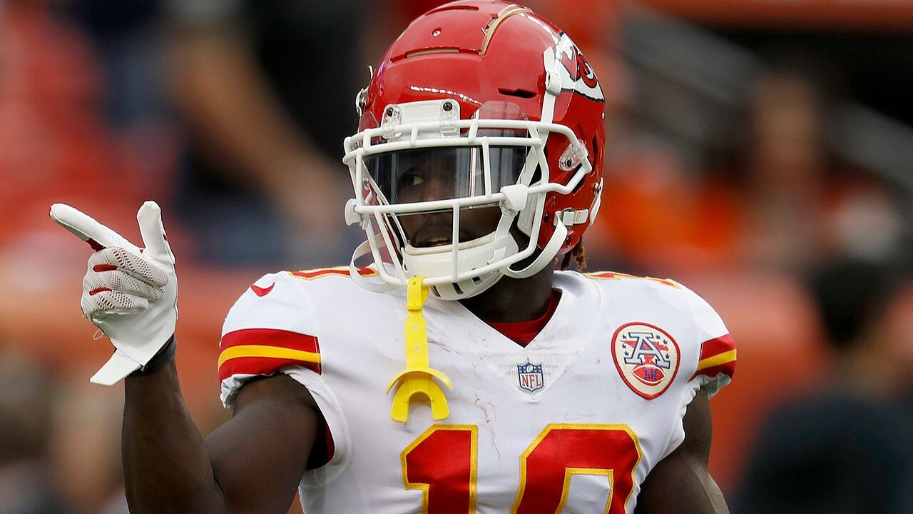 Tyreek Hill impresses with blazing speed as he nearly