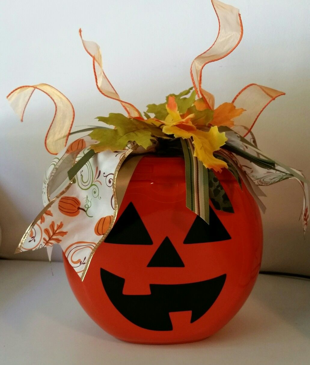 Tide detergent container Jack O Lantern. #tidepodscontainercrafts