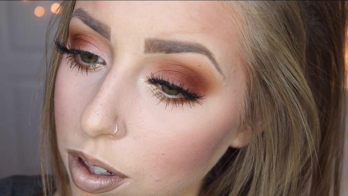 Burned orange/ brown eyemakeup + nude/brown lips