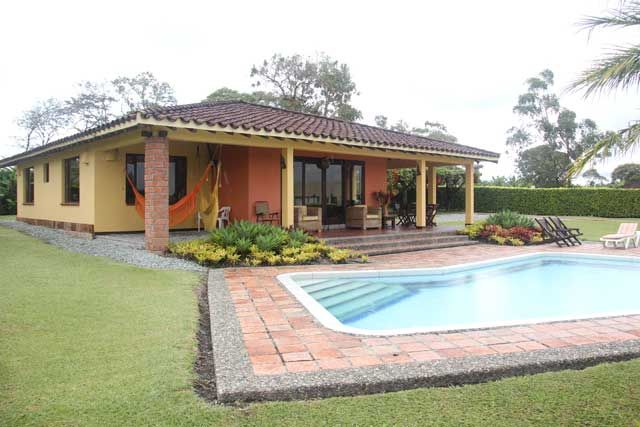 Casas campestres ideas finca pinterest casas for Fachadas de casas campestres de un piso