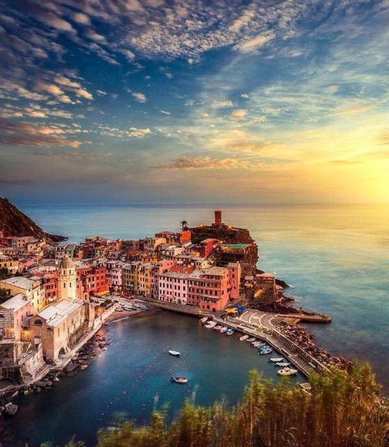 Manarola, Italy (Hidden World Wonders)