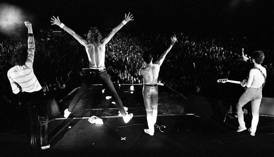 Velez Sarsfield Stadium – Buenos Aires 1981 | Mejores canciones, Queen  freddie, Peliculas de terror