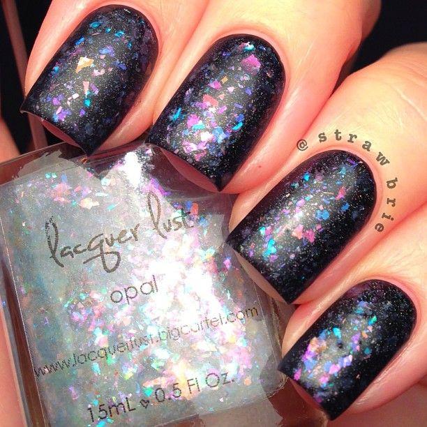 strawbrie glitter matte flake nails