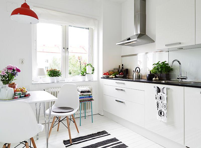 White Swedish Kitchen Stadshem