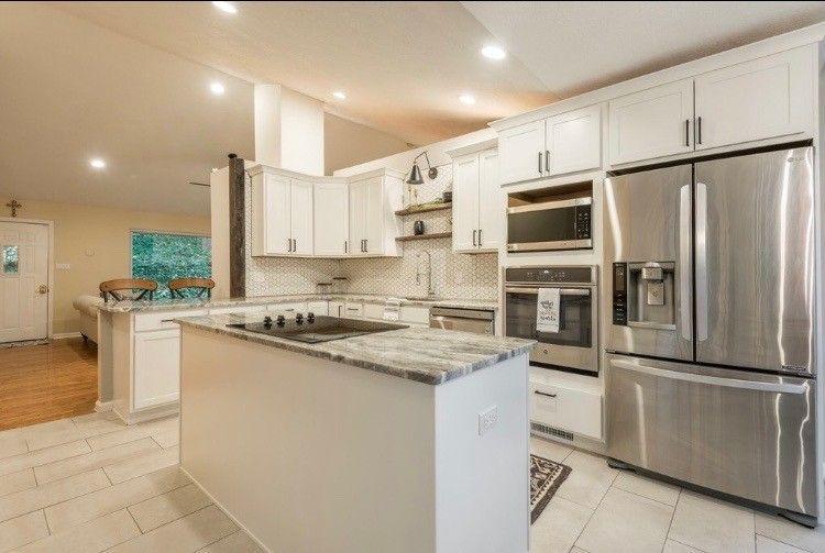 Kitchen - Aristokraft Benton Birch White paint cabinets ...