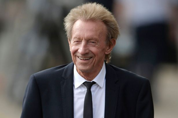 Manchester United Legend Denis Law Reveals Career Highlights After Being Named In New Year S Honours List Manchester United Legends Manchester United Denis Law