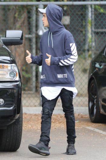 d69b8c85ab9 Celebrities Wearing Yeezy Boost Sneakers  Justin Bieber