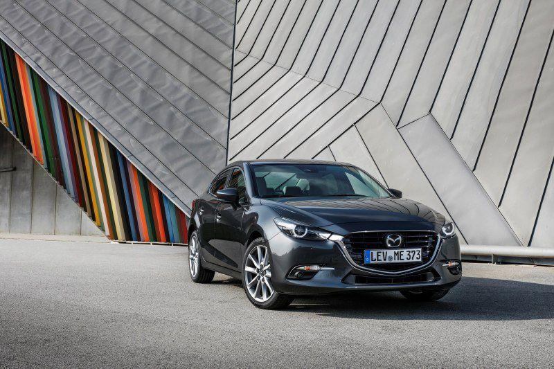 Mazda 3 III Sedan (BM, facelift 2017) 2.0 SkyactivG (120