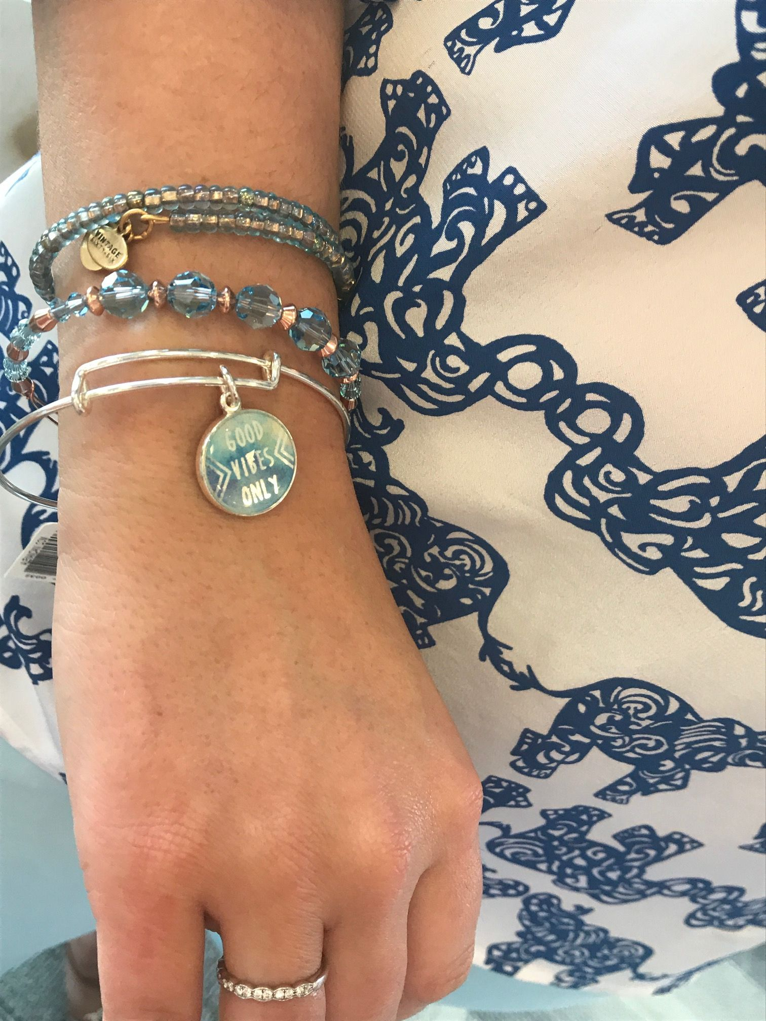 13++ Jewelry stores that sell alex and ani information