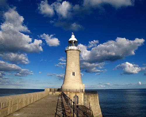 North pier lighthouse newcastle upon tyne england - Northumbria university swimming pool ...