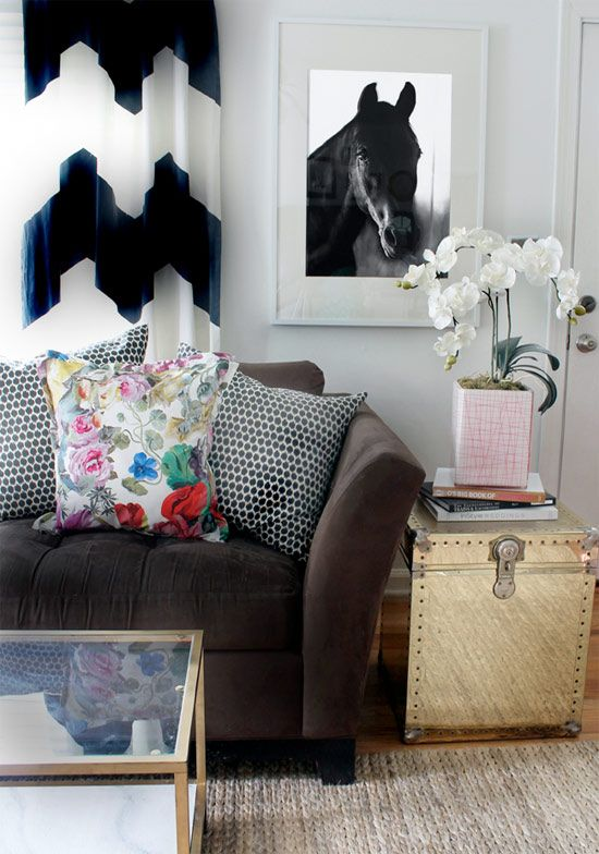 Summer giveaway with kristin from the hunted interior also best sander bonus room images on pinterest accent pillows rh