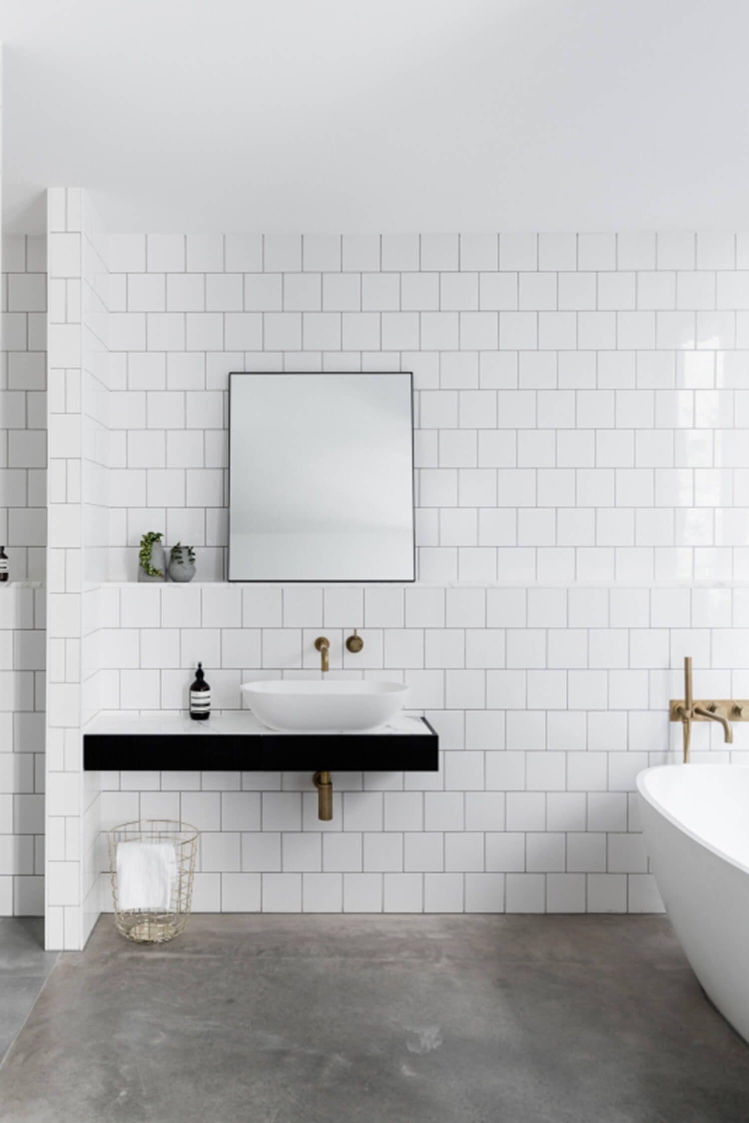 Warehouse Living In Melbourne By Ha Design Est Living Bathroom