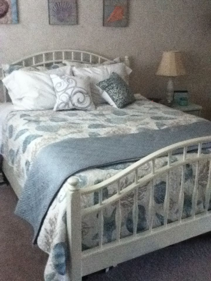 Annie Sloan chalk paint bed makeover   Bed makeover ...