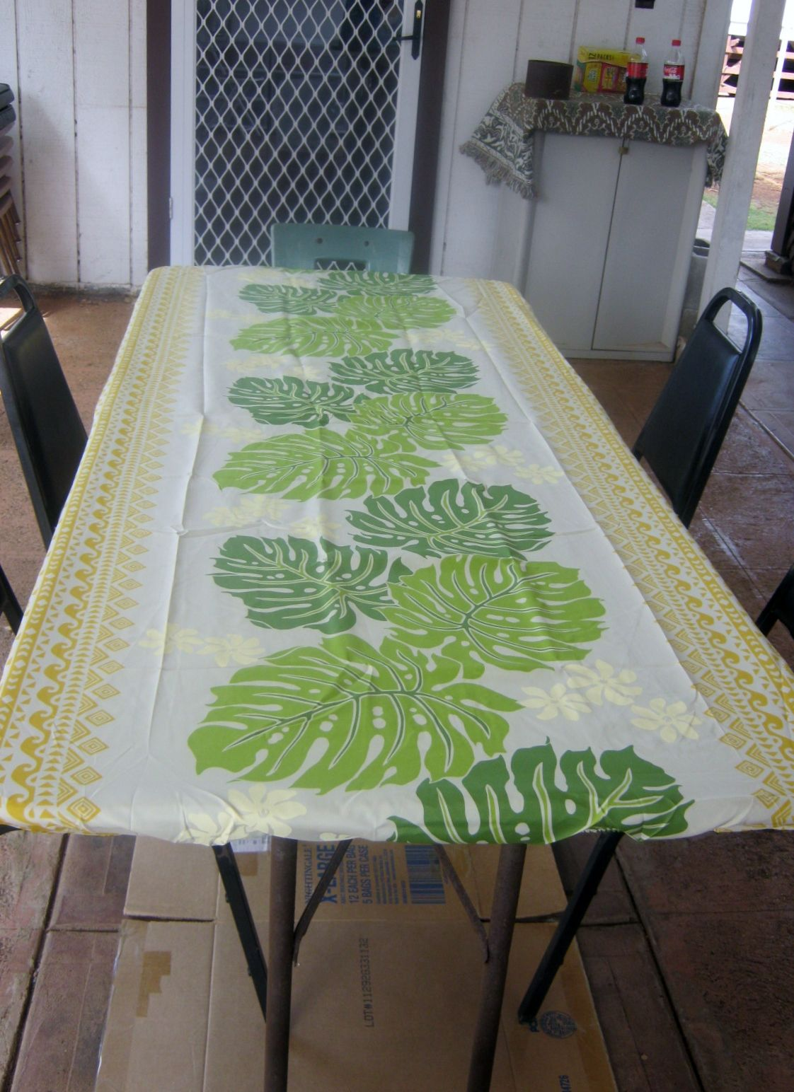 Hawaiian Print Table Cloth Fitted To A 6 Ft. Table Water Resistant  Poly/Cotton