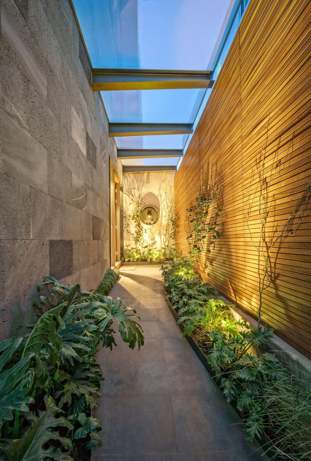 Wonderful House Designed By Lopez Duplan Arquitectos Pathway Landscaping Pergola Designs Modern Garden