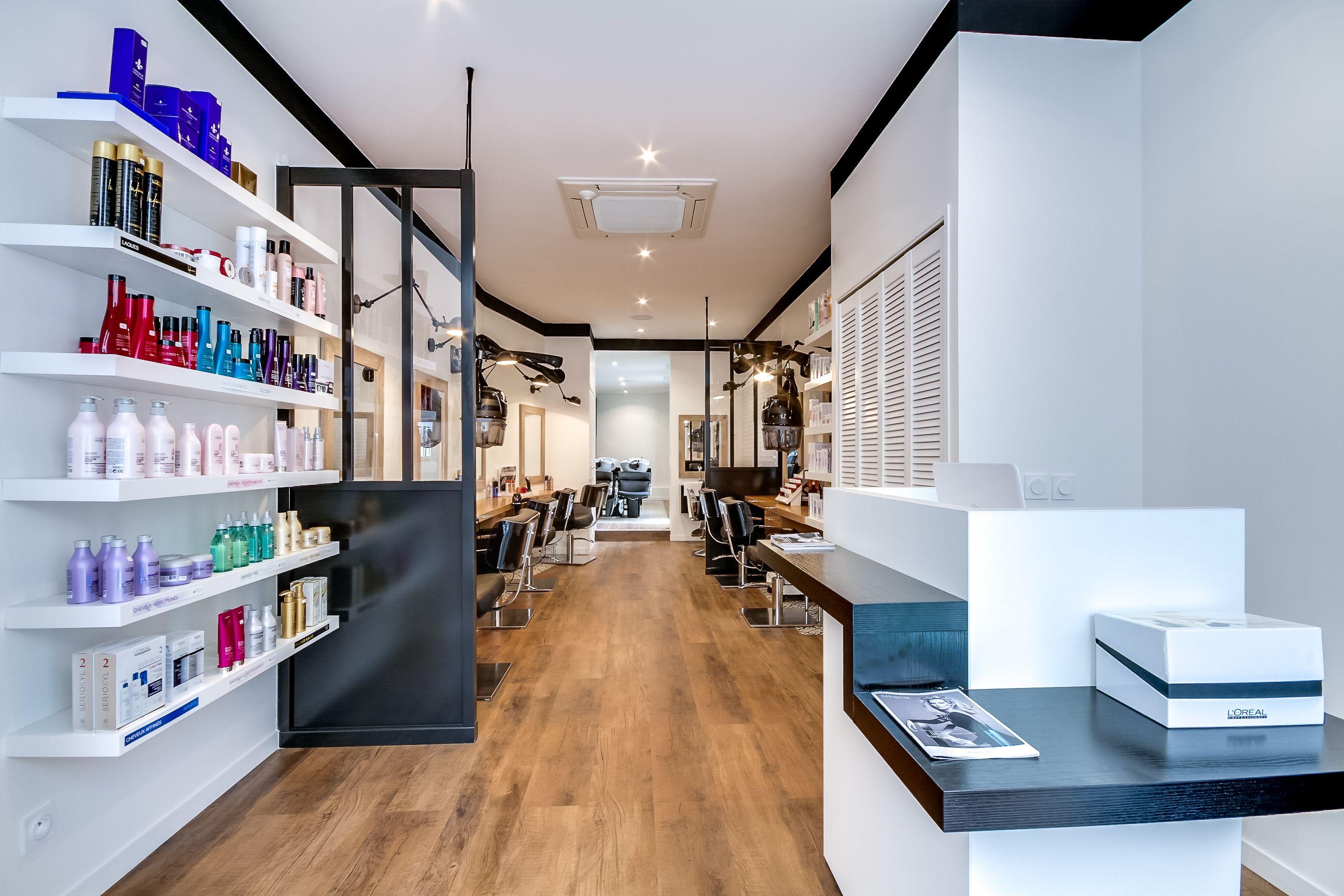 Beau Amenagement D Un Salon #7: Rénovation Totale Du0027un Salon De Coiffure. Paris. Création Espace Barber.  Restructuration