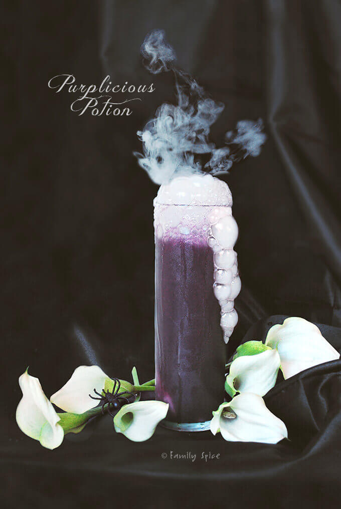 Halloween Drinks: Spooktacular Purplicious Potion #halloweenpotluckideas