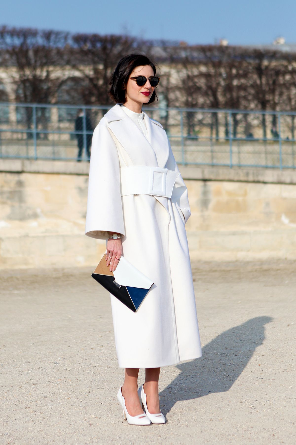 Streetstyle - Get the look: Structured white coat, white collarless shirt,  tortoiseshell sunglasses, Celine envelope clutch (alternative here) and  white ...