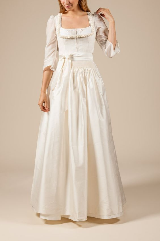 Hochzeitsdirndl Von Astrid Soll Dirndl Couture