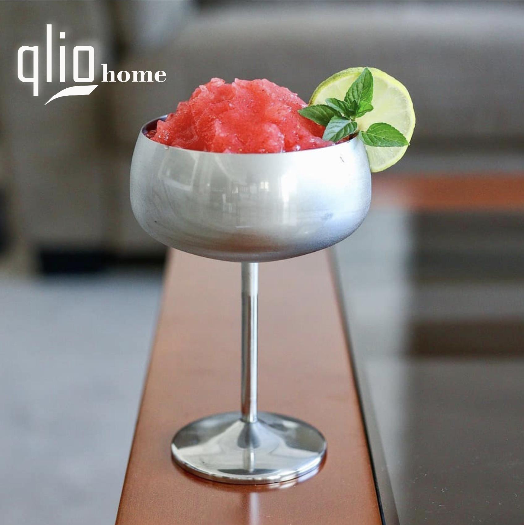 """The """"Frozen Strawberry Daiquiri"""" 🍹 Summer calls for slushy"""