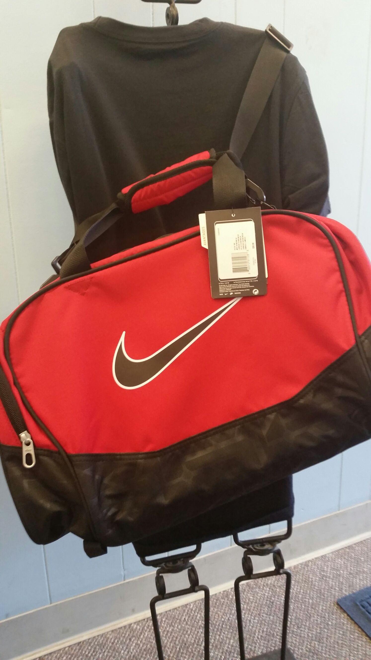 5e6a0704e9af Red   Black Nike Bag Nike Bags