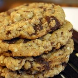 Easy to make oatmeal chocolate chip cookies from Barbara Bush, with a two secret ingredients: ground up white chocolate and cinnamon.