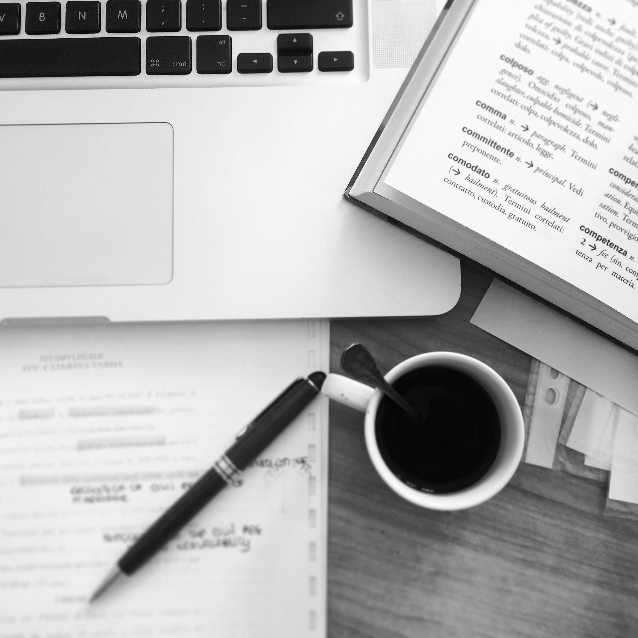 Carta Penna Dizionario Computer E Caffe I Big Five Di Ogni Traduttore Caffe Computer